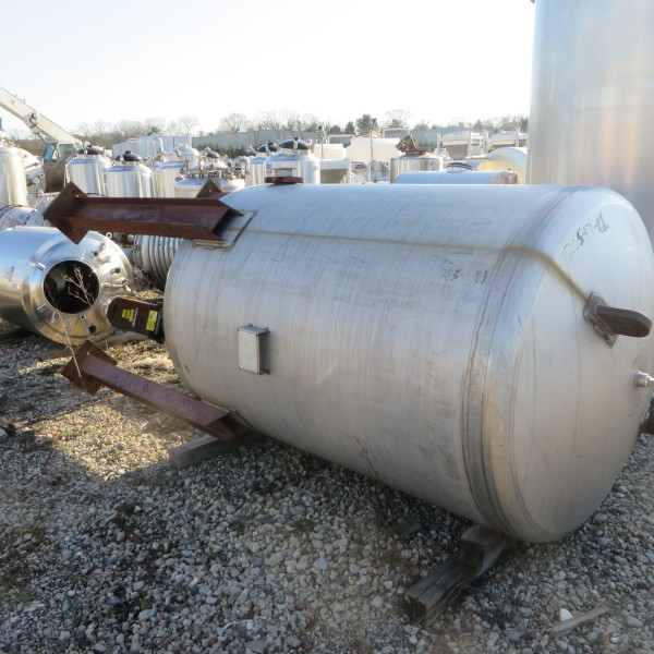 500 Gallon 304 Stainless Steel Vertical Tank, 4′ Dia. X 5′ Straight Side, 50 PSI