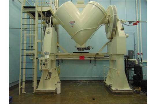 60 Cubic Foot Patterson Kelley Stainless Steel Twin Shell Solids Processor.