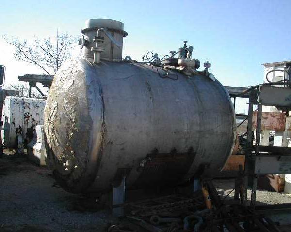 "2,200 Gallon 316 Stainless Steel Horizontal Tank, 7′ Dia. X 7'10"" Straight Side"