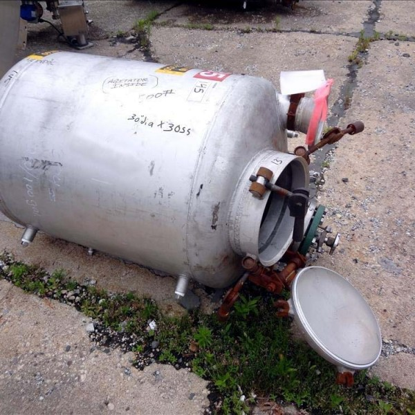 Used Stainless Steel Tanks Less than 1,000 Gallons