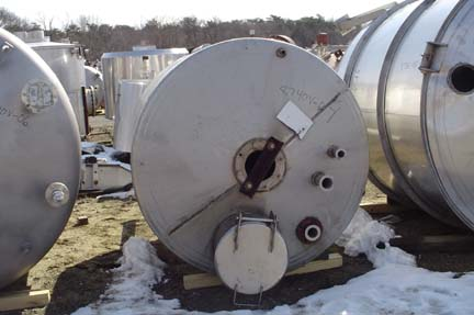 """900 Gallon 316 Stainless Steel Vertical Tank, 5'3″ Dia. X 5'10"""" Straight Side"""