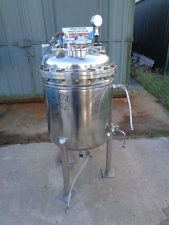 250 Litre Stainless Steel Vertical Jacketed Storage Vessel, 650mm Dia x 650mm Straight Side