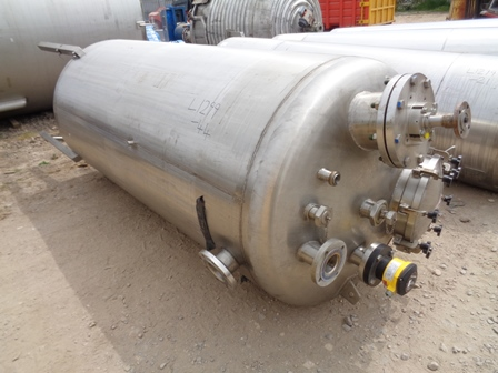 2,500 Litre Giusti Stainless Steel Vertical Mixing Vessel