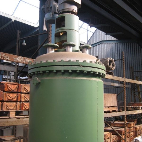 8.5 Sq. M., 1800 Liter, Funda Horizontal Leaf, Vertical Tank Rotary Pressure Leaf Filter