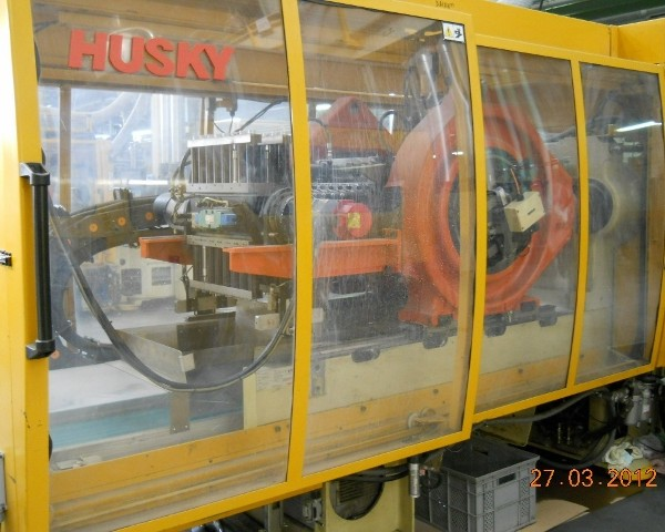 90 Tons Husky Injection Molder