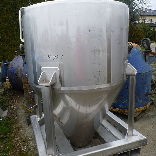 42 Cubic Foot Stainless Steel Vertical Storage Tank For Powders