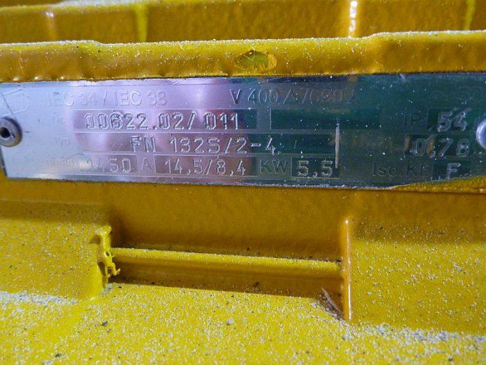 Used 94 CFM 5 5 kW Busch Type RA0165D Vacuum Pump - U2220-11