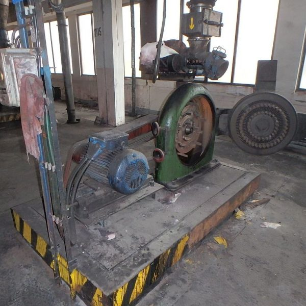 22 kW carbon steel beat mill by Jehmlich type Record D