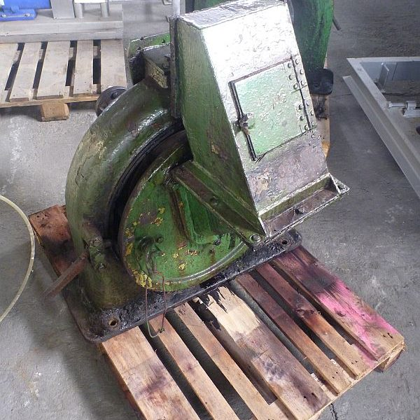10 kW carbon steel Jehmlich beat mill type Record C