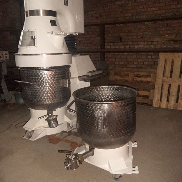 Refurbished planetary mixer by RNK type Mixador with two mixing pans each with volume 220 l