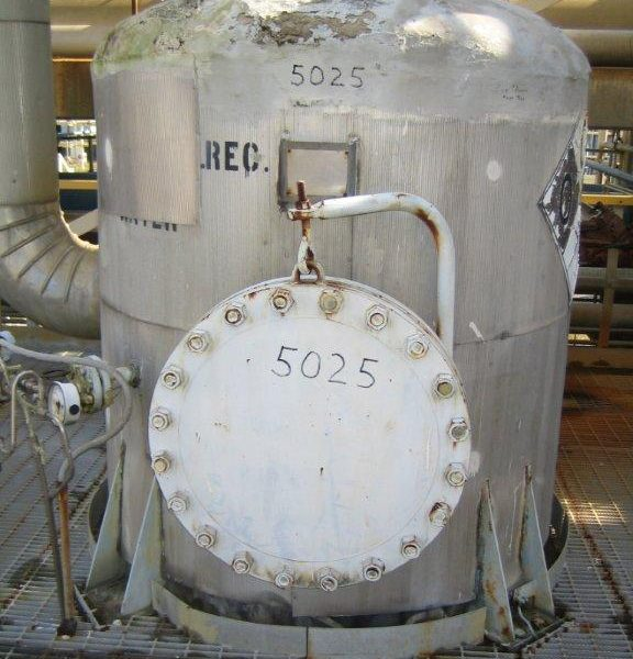 1,900 Gallon 304L Stainless Steel Vertical Tank, 5′ Dia. X 12′ Straight Side