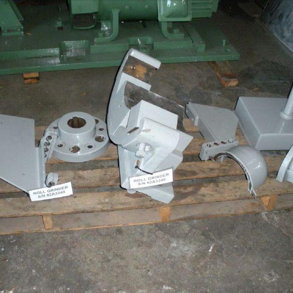 FARREL ROLL GRINDER 42/60 X 256″